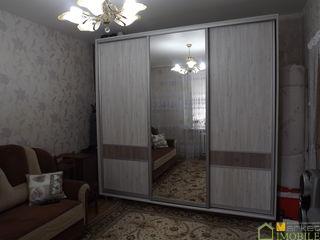 Vindem apartament cu 3 odai in centru Chisinaului cu suprafata totala de 56m2