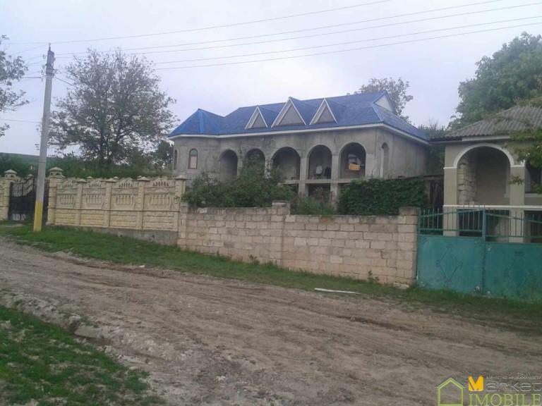 Casa in 2 nivele166m la doar 34km de Chisinau