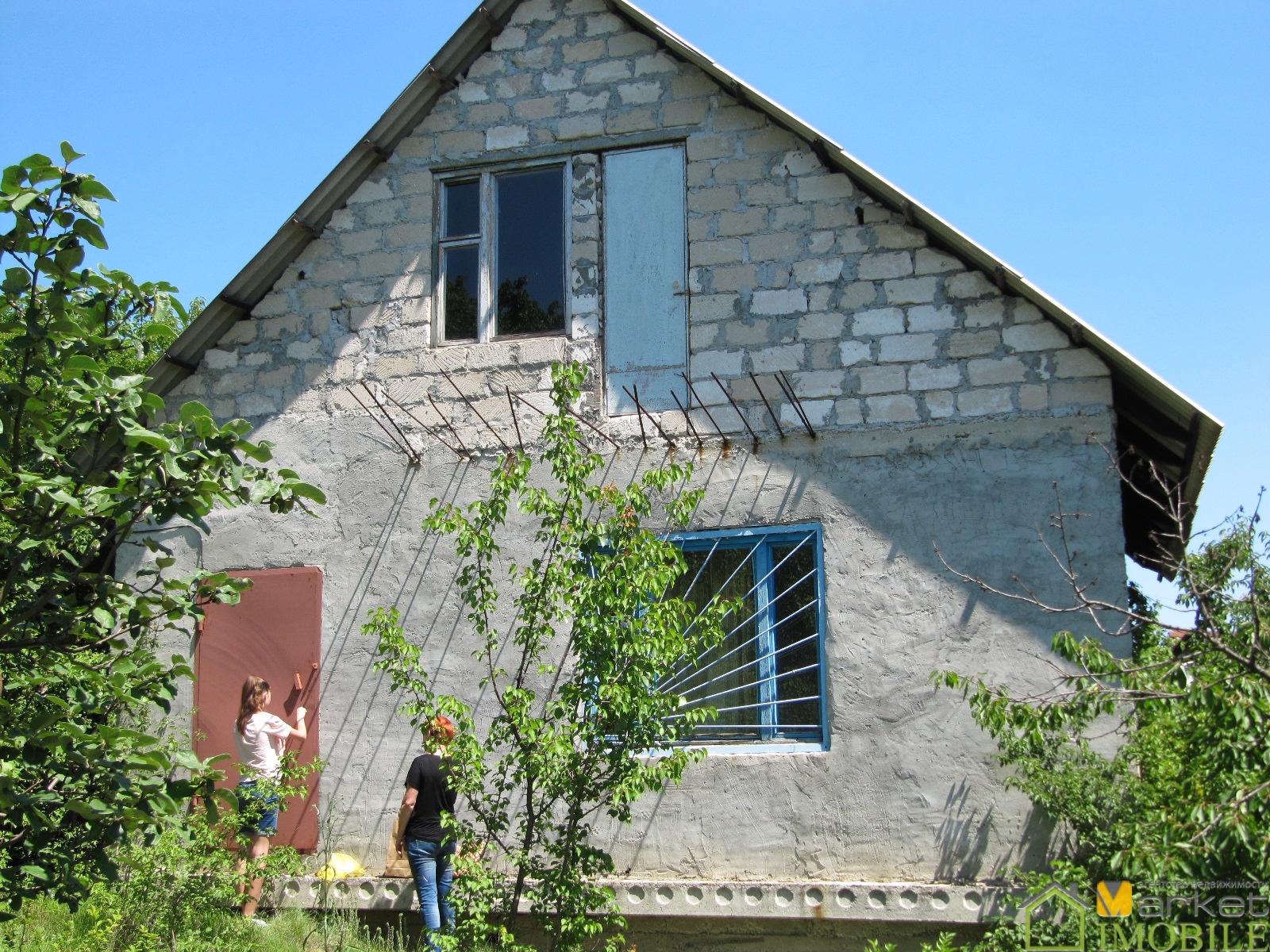 дом-дача 1.5 эт.,80м2 на 6 сотках,сел.Ратуш